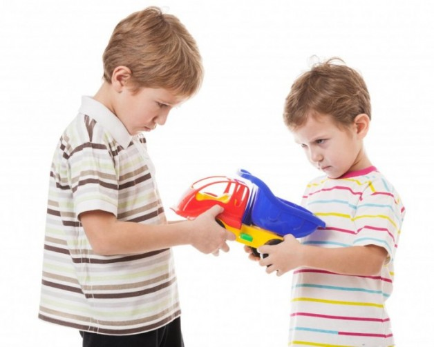 two-boys-fighting-over-toy-truck-2zb3kcn55ryhxpprlijjls